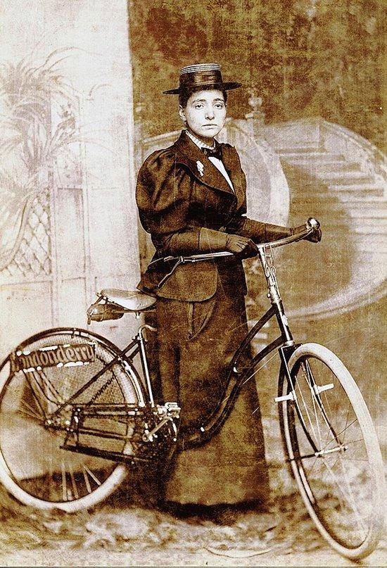 Annie Cohen Kopchovsky y su inolvidable viaje en bicicleta